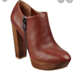 [Guess] Ankle Boots
